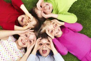 kinder-sollen-gluecklich-sein-und-lachen-koennen